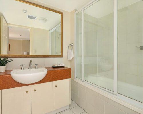 apartment-2-bedroom-standard-804-5