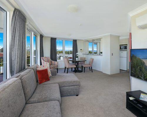 apartment-2-bedroom-superior-602-6